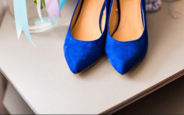 Se você está preocupada e procurando uma maneira de como renovar a camurça de sapatos, nós temos uma solução que pode ajudar. Veja aqui!