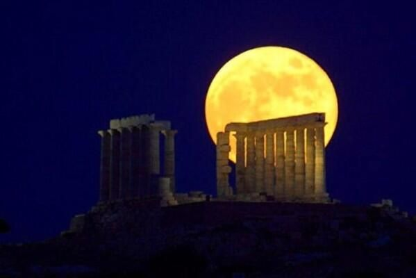 full moon in Cape Sounion