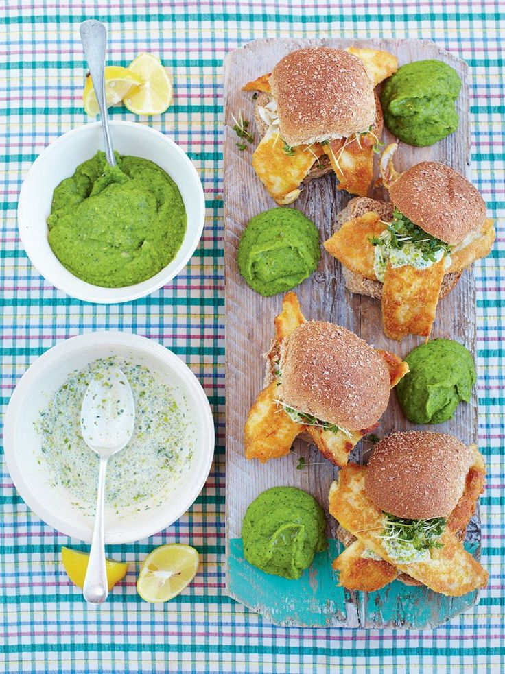 The best fish baps with mushy peas & tartare sauce (Jamie Oliver's 15 minute meals)