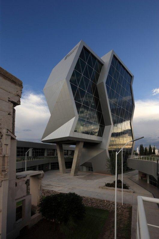 © Jorge Taboada Morón Innovation and Technical and Technological Transfer Park / Grupo ARKHOS --Chihuahua, Mexico