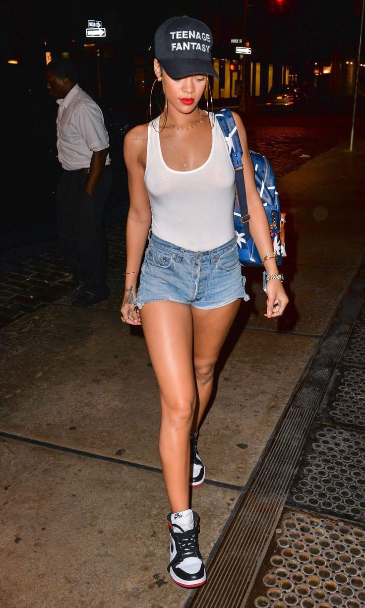 1000 Images About Projets Essayer On Pinterest Christina Milian White Sneakers And Rihanna