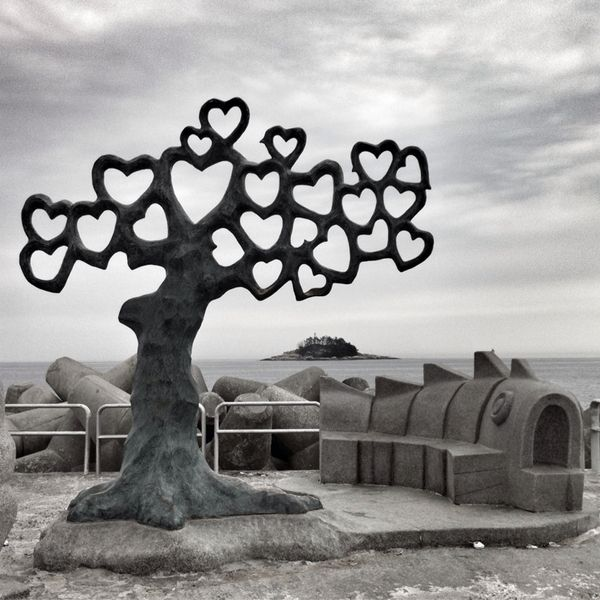 Tree of Hearts, South Korea  >>> I love this!!!  This would be a pretty backround prop for a marriage ceremony