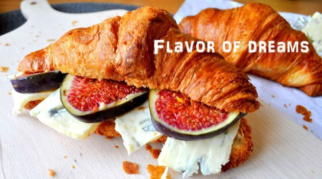 croissant with blue cheese and figs to the bed please!