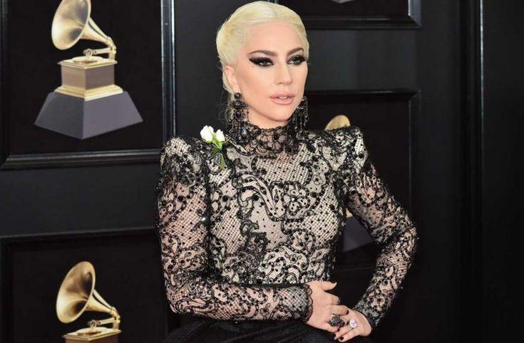 El anillo de serpiente de Lady Gaga en los Grammys es un mensaje para Taylor Swift