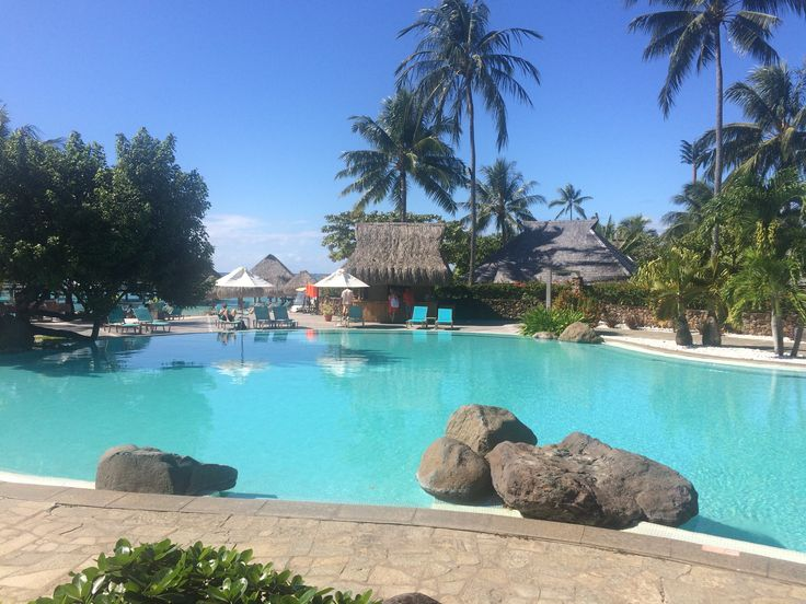 Piscina Hilton Hotel #Polinesia #Hilton #moorea