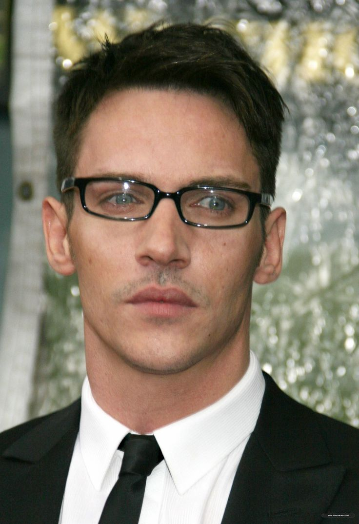 -From-Paris-With-Love-NYC-Premiere-jonathan-rhys-meyers-10188163-1576-2300.jpg 1,576×2,300 pixels