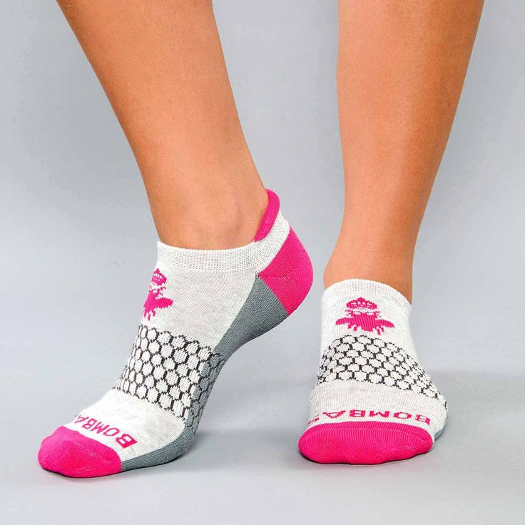 only the best workout / fitness socks ever. comfortable and have a blister tab so no blisters. bombas socks =)