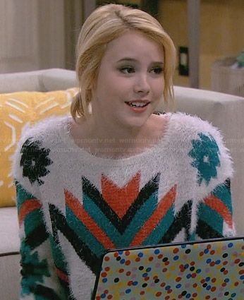Lennox's fluffy tribal print sweater on Melissa and Joey.  Outfit Details: http://wornontv.net/30463/ #MelissaandJoey