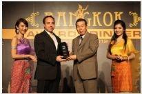 """Elektromak, 25-27 Mayıs tarihleri arasında, Tayland Bangkok`da yapılan Toshiba Distribütörleri Toplantısında """"TOSHIBA - 2011 Yılın En İyi Kurumsal Müşteriler Yönetimi"""" (Best Effort on Major Account Management) ödülünü aldı."""