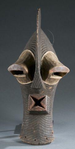 Kifwebe style mask. 20th century.