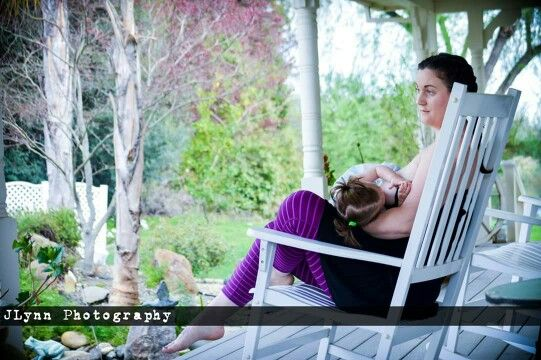 Breastfeeding photography. Classic. Beautiful. Mother and daughter bonding. Copyright JLYNN PHOTOGRAPHY