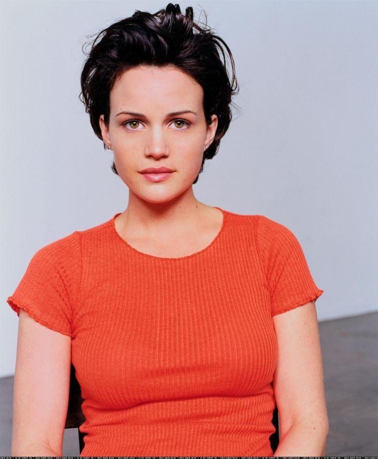 Carla Gugino http://cdn29.us1.fansshare.com/images/carlagugino/full-carla-gugino-fashion-1790237425.jpg