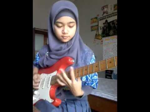 Shred Like A Girl... 16 Year-Old Guitar Player Shows Us How It's Done