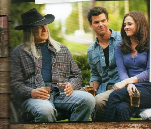 """(This is the deleted scene, When Bella gets a glimpse of what a life with Jacob would be like. Notice Billy is gray-headed also. The scene is from the book """"Eclipse"""" and it's what Bella sees when she kisses Jacob. It just never made it in the movie.❤️❤️❤️❤️❤️Jacob Black❤️❤️❤️❤️❤️"""