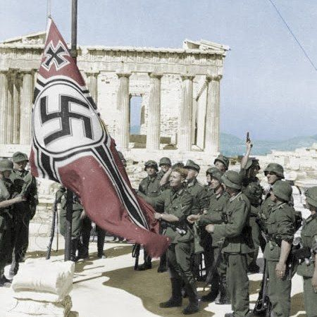 German soldiers raising the flag on the Acropolis in Athens 1941. Pin by Paolo Marzioli