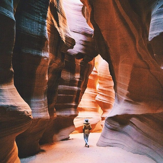 Wandering inside the Antelope Canyon with @andreadabene while on our American…