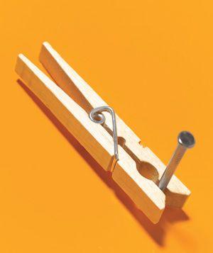 nail holder. Good idea