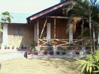 You cam rent this bamboo house and throw the best party ever.luxury gauranteed @Tina Arche @Ele Lou