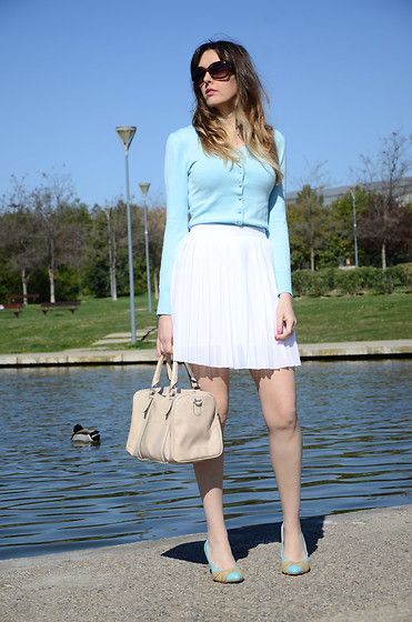 Get this look: http://lb.nu/look/8661081  More looks by Elisabeth Green: http://lb.nu/oneusefashion  Items in this look:  Okeysi White Pleated Skirt   #preppy #romantic #street #skirt #blue #white #pleated #lady