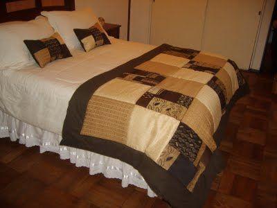 Las 25 mejores ideas sobre camas con acolchado en for Cubrepies de cama