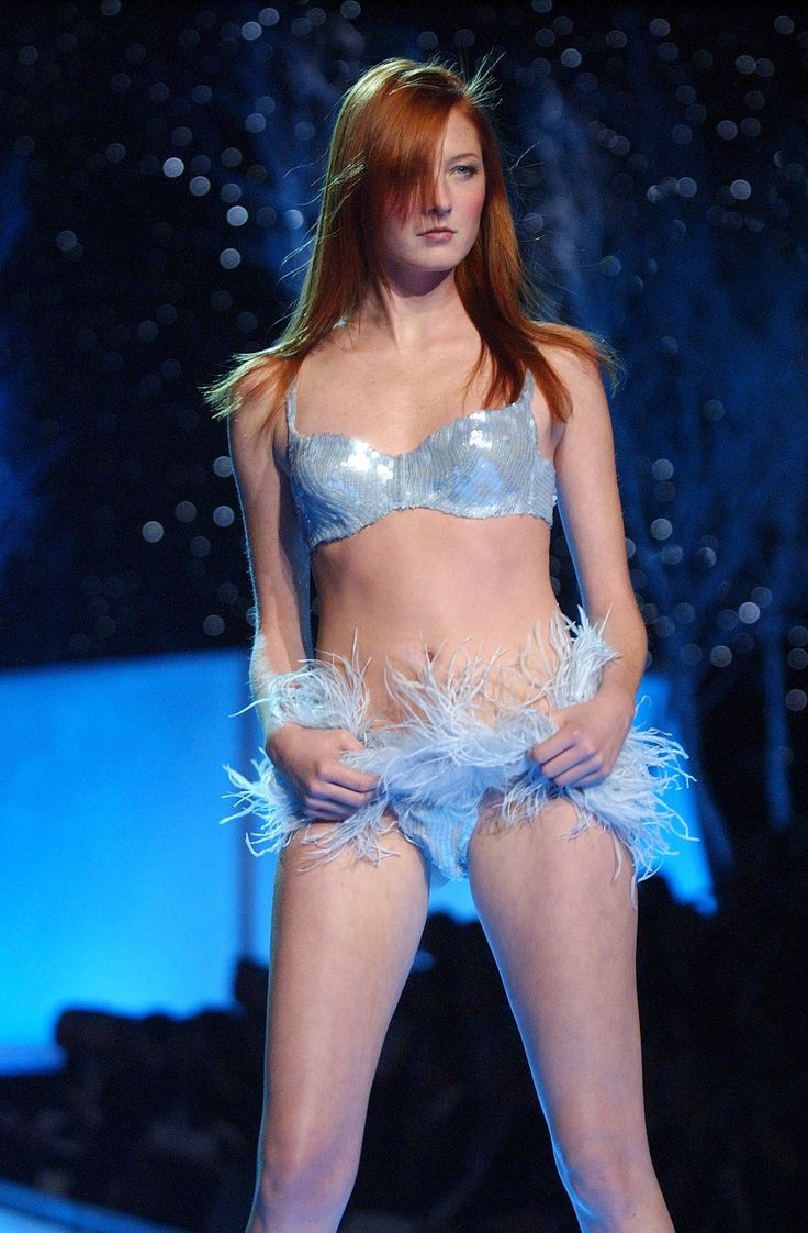 150+ Supersexy VS Fashion Show Moments to Look Back On | Blue ...