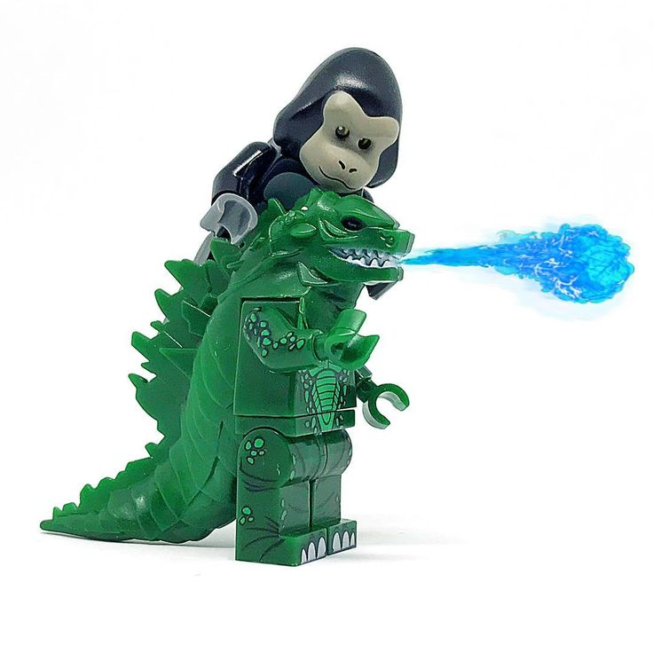 Who will win ? Godzilla / King Kong  #lego #legominifig #fun #legophoto #legostagram #legography #legocollection #legophotography #legominifigures #minifigures #minifigure #afol #brick #legomania #brickfan #brickculture #brickinsider #bricknetwork #brickcentral #picoftheday #pictureoftheday #kingkong #followme #godzilla #toy #toys #toyslagram #toyartisty #toyartisty_elite #toyartisty_lego