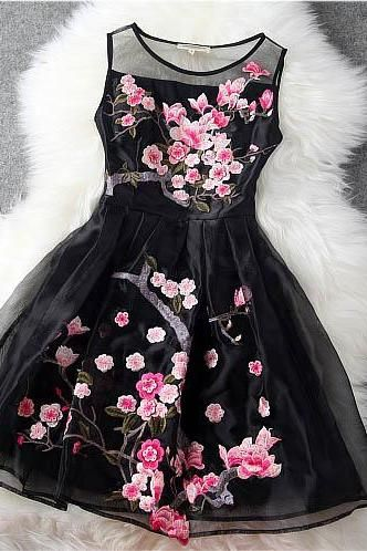 Luxury Designer Gorgeous Embroidered Lace Dress - Black
