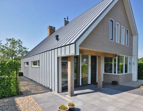 25 beste idee n over mansardedak op pinterest hip dak - Moderne huis op een helling ...