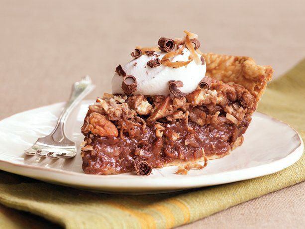 German Chocolate Pie... Oh my goodness, seems so yummy!