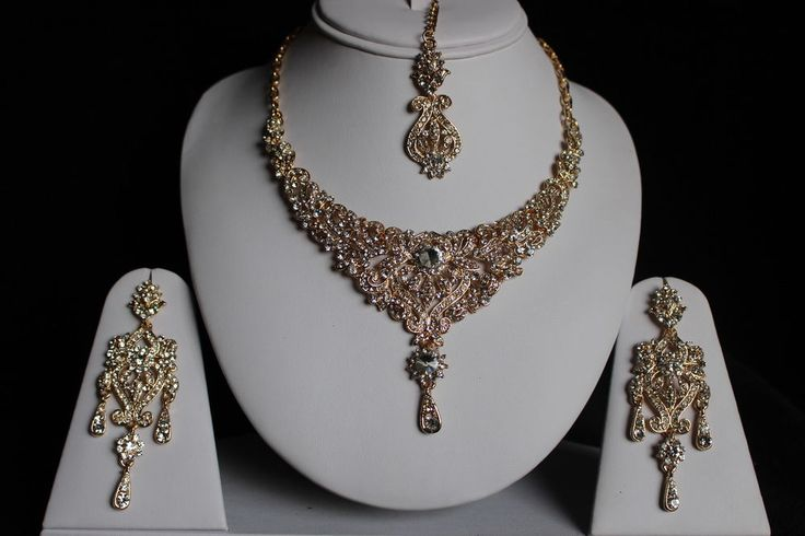 GOLD CLEAR INDIAN COSTUME JEWELLERY NECKLACE EARRINGS DIAMOND SET