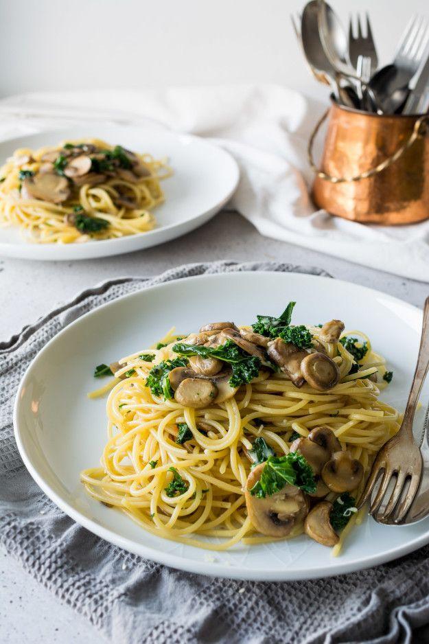 One-Pot Kale, Mushroom, and Garlic Spaghetti