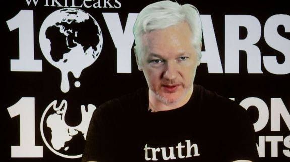 4chan Anonymous working to get Julian Assange working internet Read more Technology News Here --> http://digitaltechnologynews.com  It's been a rough week for WikiLeaks leader Julian Assange who's cooped up in the Ecuadorian embassy in London with no internet and possibly poisonous vegan meals trying to kill him.   SEE ALSO: Julian Assange's internet's down and everyone on Twitter has a theory  But members of 4chan and Anonymous are rallying together to get Assange the Wi-Fi he needs so that…