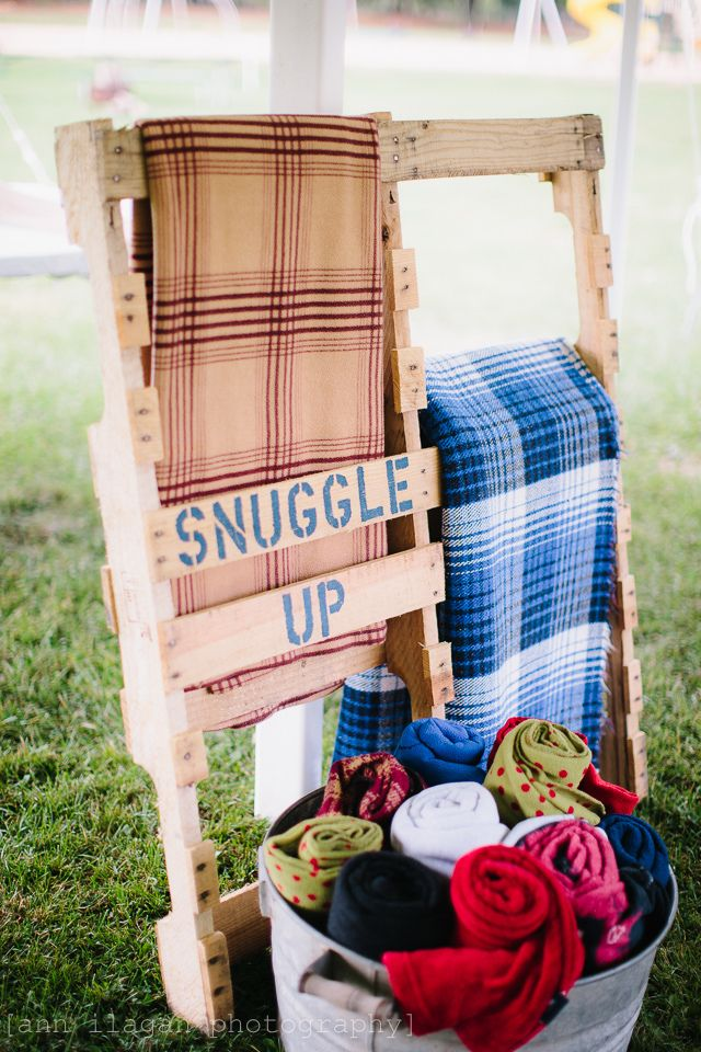Outdoor Wedding blanket display -- pallet project -- galvanized bucket -- wedding decoration