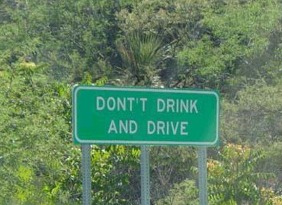 Dont't drink and make signs: Dont T Drink, Funny Signs, Funny Stuff, Humor, Funnies, Drinks