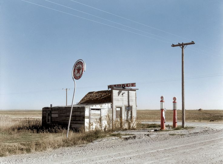 Shorpy Historic Picture Archive :: Last Chance Texaco (Colorized): 1937 high-resolution photo