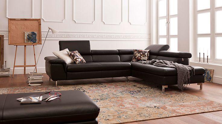 W.SCHILLIG Ecksofa mit schwarzem Lederbezug und chromfarbenen Metallfüßen verleiht Ihrem Zuhause eine exklusive Note und ist gleichzeitig angenehm bequem. #sofa #home #life #leather #elegant #style