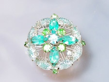 Vintage brooch - love these colors
