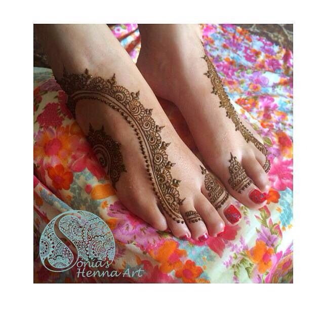 Unique henna design Organic henna with a touch of Tradition Indian style design Toronto artist. Quality Henna Art - Mehndi artist in Toronto / GTA Henna design for punjabi Shadi Feet design