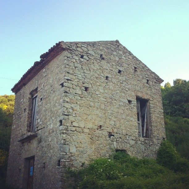 Probably my next #home!  #Homeandleaving #interiordesign #architecture #nature #old #building #vintage #historical #travel #travelphotography #photo #picoftheday #photooftheday #wildlife #ontheroad #summer #Cilento #Serramezzana #SouthItaly #culture #trip #love