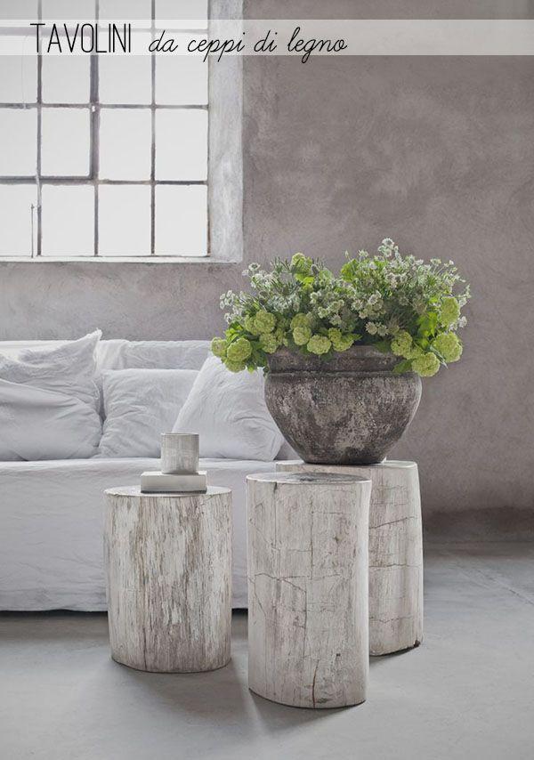 Tavolini da ceppi di legno grezzo