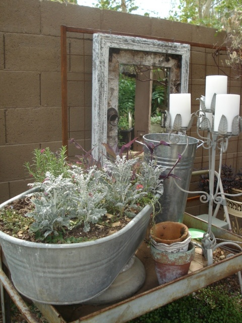 Love the use of the mirror to reflect the gardenGardens Art I, Secret Gardens, Gardens Style, Gardens Secret, Cynthia Gardens, Beautiful Gardens