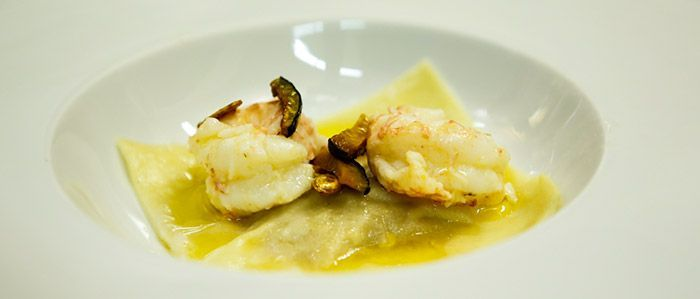 Aprenda a fazer a receita Raviolone de abóbora com manteiga de lagostim