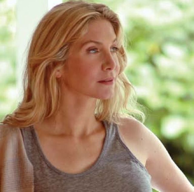 Elizabeth Mitchell: 1000+ Images About Shelly Share Board 2.0 On Pinterest