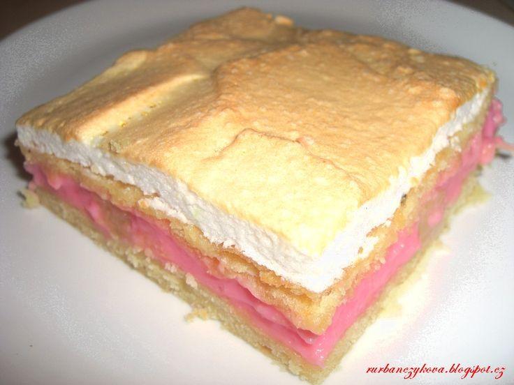 Jablecny kolac s pudinkem