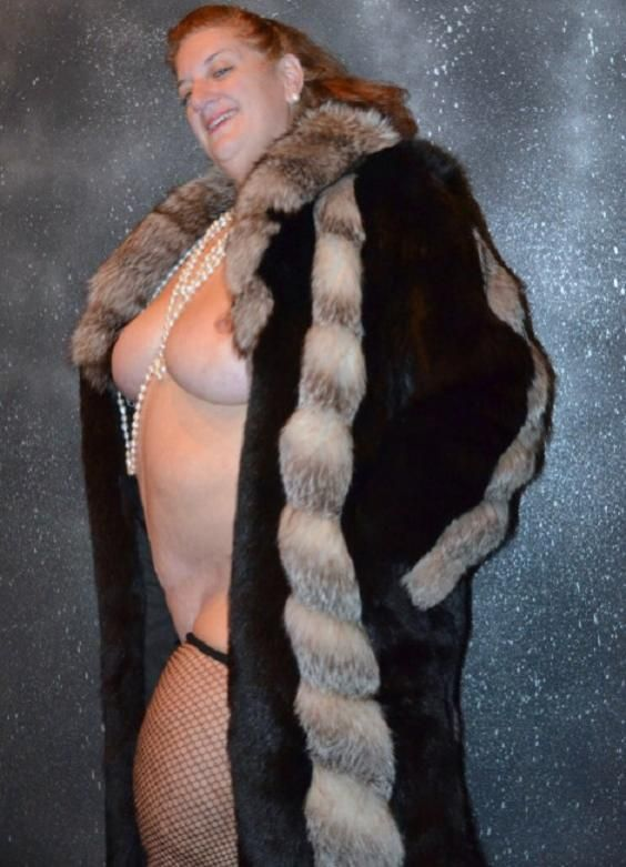 Porno With Women In Furs 70