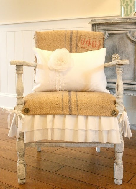 Pillow: Chairs Makeovers, Grains Sacks, Memorial Bags, Burlap Chairs, Old Chairs, Coffee Bags, Great Ideas, French Style, Chairs Redo