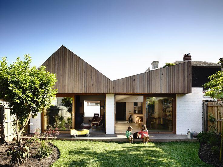 // by Rob Kennon Architects - Photo: Derek Swalwell
