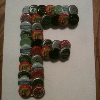 82 best images about decor on pinterest for What can i make with beer bottle caps