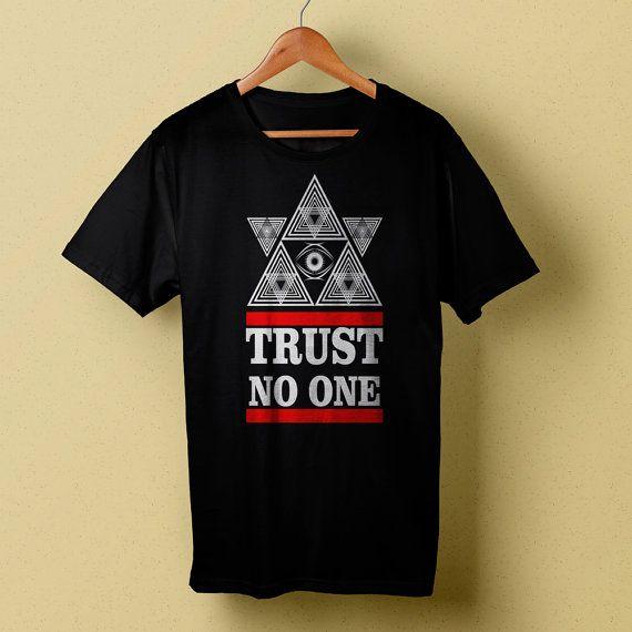 Trust No One Pyramid Eye Illuminati Black T-Shirt, Mens Tee Size S/M/L/XL/XXL