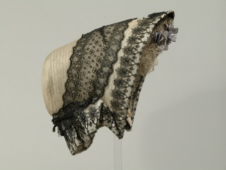 1855-1860 ... Spoon Bonnet ... National Trust Inventory ... photo 2